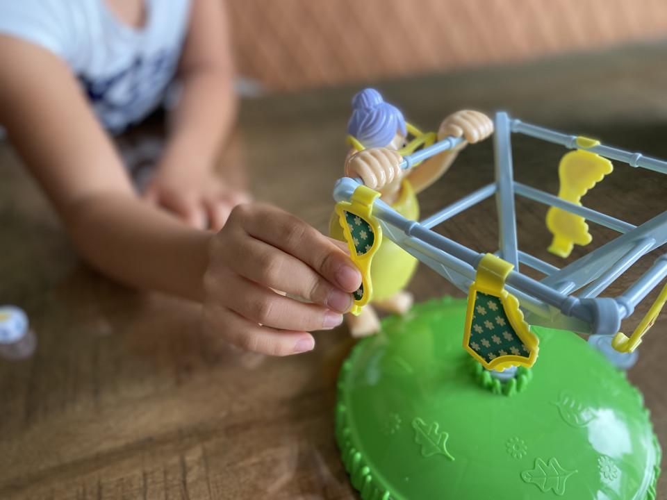 Wij mochten het spel Oma's Woeste Waslijn uitproberen en dat ziet er zeer spectaculair uit op de doos. Een hilarisch spel!
