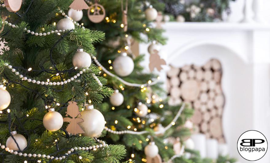 In de periode voor kerst halen de meeste mensen een kerstboom in huis. Een kunstkerstboom heeft veel voordelen. Lees maar mee!