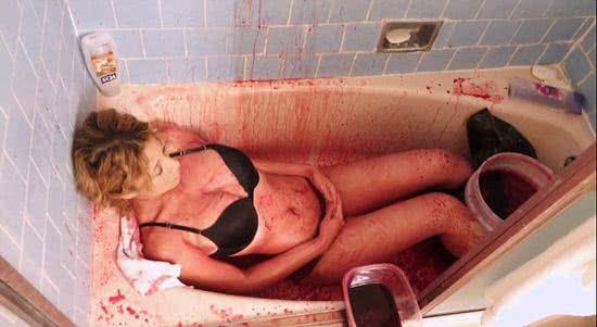 美國少女香奈兒每天用豬血洗澡