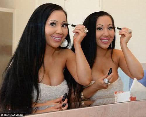 全球最相像的雙胞胎姐妹花