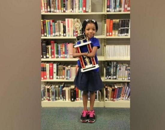 贏得全美寫字比賽冠軍的艾麗卡