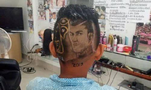 理髮廳將髮型剃成球星臉