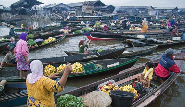 Hasil gambar untuk Pasar Terapung Langkat, Sumatera Utara.