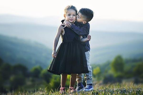 beijo-criancas-rosto