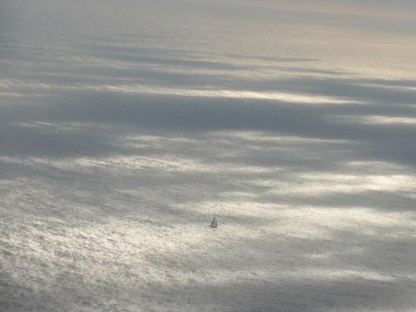 Voile-perdue-dans-une-mer-de-nuages