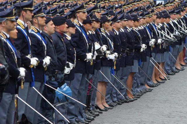 165°-Anniversario-della-Fondazione-della-Polizia-640x426.jpg