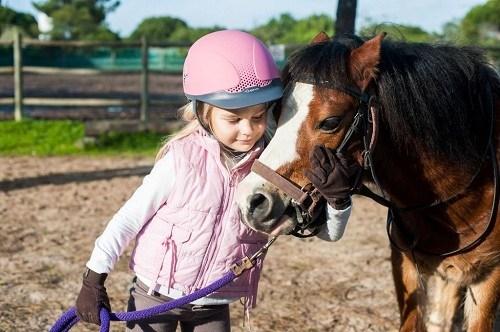 kids_pony_riding_in_the_algarve