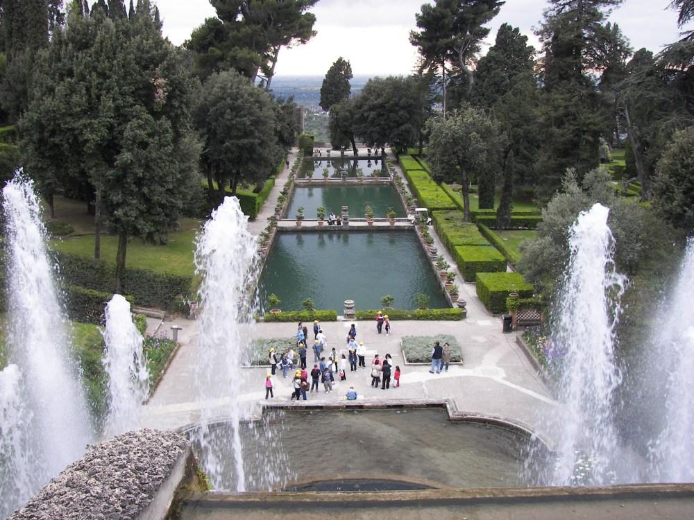 Villa_d'Este_fountain_and_pools