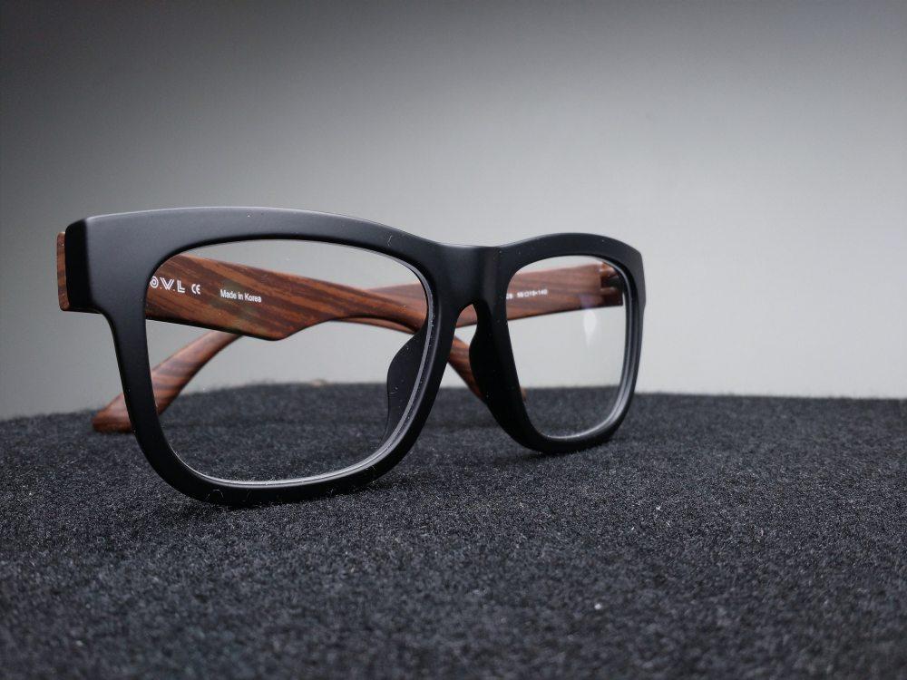 eyewear-fashion-glasses-39716.jpg