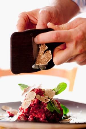 Raw minced meat with truffle of Alba, Osteria La Torre, Cherasco, Langhe, Cuneo district, Mediterranean area, Colline del Barolo, Piedmont, Piemonte, Italy, Italia