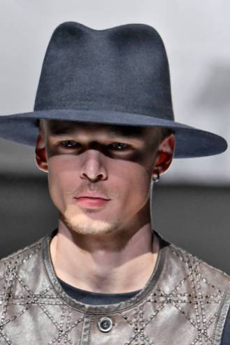 MILAN, ITALY - JUNE 18: A model walks the runway at the Giorgio Armani fashion show during Milan Men's Fashion Week Spring/Summer 2019 on June 18, 2018 in Milan, Italy. (Photo by Victor VIRGILE/Gamma-Rapho via Getty Images)