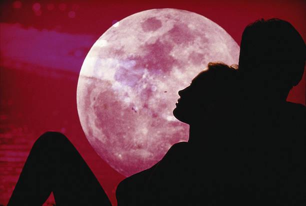 La luna piena diventa di fragola (2)