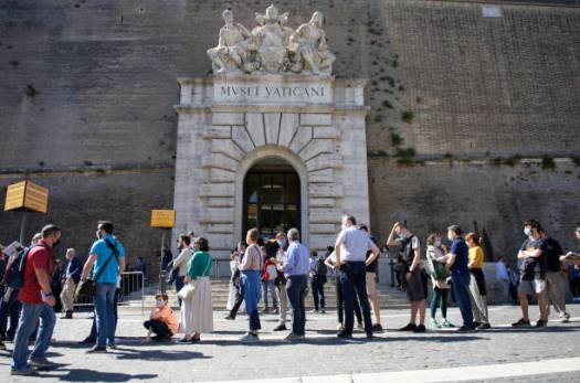 (EDITORIAL NEWS USE ONLY STRICTLY NO COMMERCIAL OR MERCHANDISING USAGE) Visitors line up to enter the Vatican Museums on their reopening date, in Rome, Monday, June 1, 2020. The Vatican Museums reopened Monday to visitors after three months of shutdown following COVID-19 containment measures. (Photo by Massimo Valicchia/NurPhoto via Getty Images)