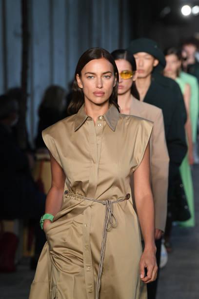 MILAN, ITALY - SEPTEMBER 25: Irina Shayk walks the runway at the HugoBoss fashion show during the Milan Women's Fashion Week on September 25, 2020 in Milan, Italy. (Photo by Daniele Venturelli/Daniele Venturelli/WireImage )