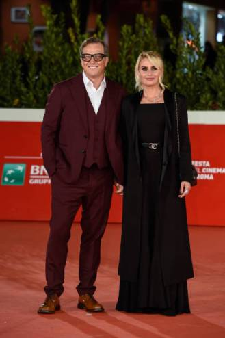 Italian director Gabriele Muccino with his wife Angelica Russo, Italian stylist and costume designer, at 15th Rome Film Fest 2020. Open Your Eyes red carpet. Rome (Italy), October 18th, 2020 (Photo by Marilla Sicilia/Archivio Marilla Sicilia/Mondadori Portfolio via Getty Images)