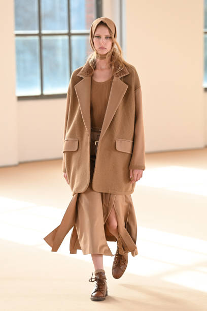 MILAN, ITALY - FEBRUARY 25: Look 4 at the Max Mara Fall/Winter 2021-2022 show during Milan Fashion Week on February 25, 2021 in Milano, Italy. (Photo by Daniele Venturelli/Daniele Venturelli/ Getty Images for Max Mara)