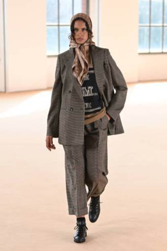 MILAN, ITALY - FEBRUARY 25: Look 31 at the Max Mara Fall/Winter 2021-2022 show during Milan Fashion Week on February 25, 2021 in Milano, Italy. (Photo by Daniele Venturelli/Daniele Venturelli/ Getty Images for Max Mara)