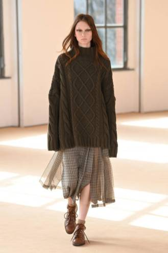 MILAN, ITALY - FEBRUARY 25: Look 27 at the Max Mara Fall/Winter 2021-2022 show during Milan Fashion Week on February 25, 2021 in Milano, Italy. (Photo by Daniele Venturelli/Daniele Venturelli/ Getty Images for Max Mara)