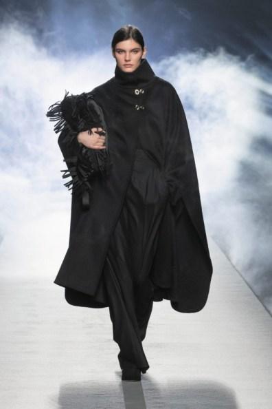milano-fashion-week-moda-milano-sfilate-moda-sfilate-milano-alberta-ferretti-01-milano-fashion-week-moda-milano-sfilate-moda-sfilate-milano-alberta-ferretti-640x960