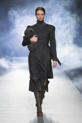 milano-fashion-week-moda-milano-sfilate-moda-sfilate-milano-alberta-ferretti-02-milano-fashion-week-moda-milano-sfilate-moda-sfilate-milano-alberta-ferretti-640x960