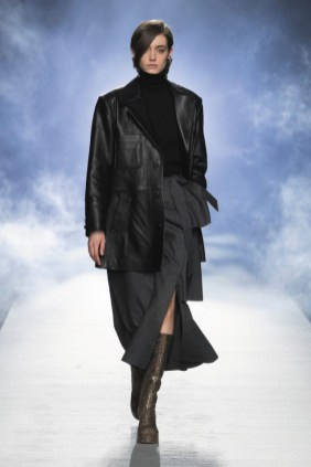 milano-fashion-week-moda-milano-sfilate-moda-sfilate-milano-alberta-ferretti-03-milano-fashion-week-moda-milano-sfilate-moda-sfilate-milano-alberta-ferretti-640x960