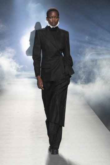 milano-fashion-week-moda-milano-sfilate-moda-sfilate-milano-alberta-ferretti-07-milano-fashion-week-moda-milano-sfilate-moda-sfilate-milano-alberta-ferretti-640x960