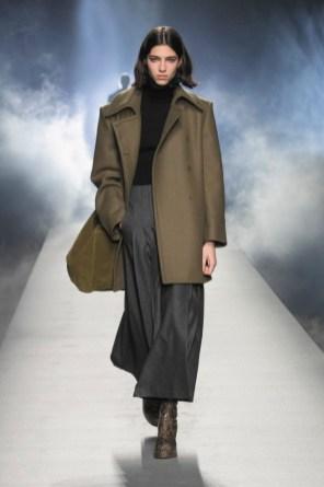 milano-fashion-week-moda-milano-sfilate-moda-sfilate-milano-alberta-ferretti-08-milano-fashion-week-moda-milano-sfilate-moda-sfilate-milano-alberta-ferretti-640x960