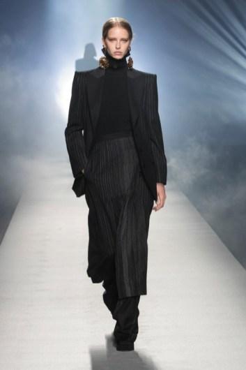 milano-fashion-week-moda-milano-sfilate-moda-sfilate-milano-alberta-ferretti-11-milano-fashion-week-moda-milano-sfilate-moda-sfilate-milano-alberta-ferretti-640x960