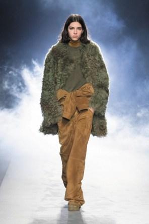 milano-fashion-week-moda-milano-sfilate-moda-sfilate-milano-alberta-ferretti-18-milano-fashion-week-moda-milano-sfilate-moda-sfilate-milano-alberta-ferretti-640x960