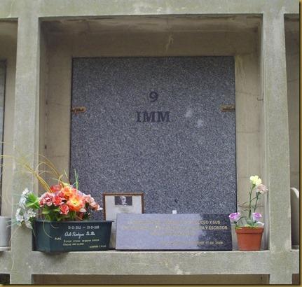 Benedetti, su tumba (detall)