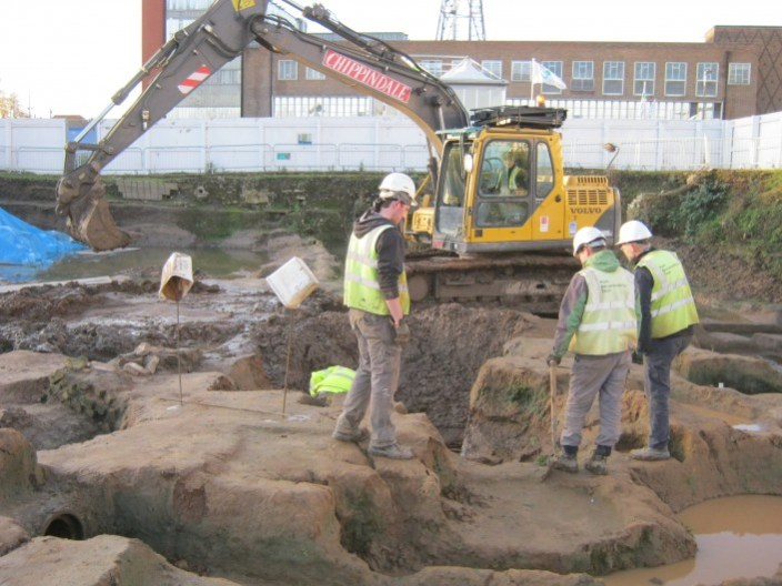 archaeologists on site.