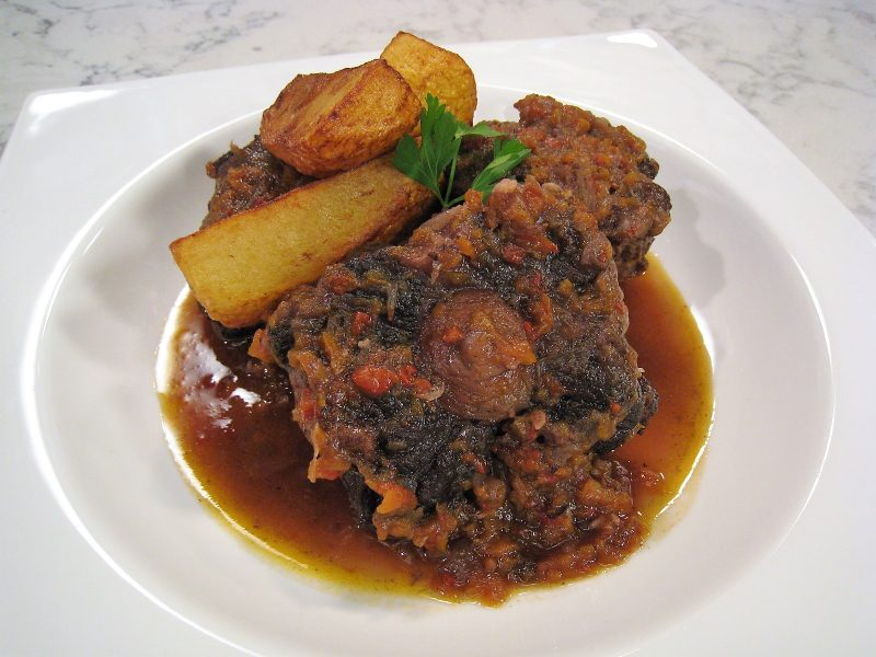 Rabo de Toro guisado con Patatas