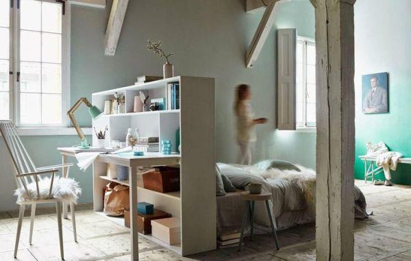 12 manieres d installer un bureau derriere sa tete de lit moltodeco le blog deco et design d emmanuelle paris