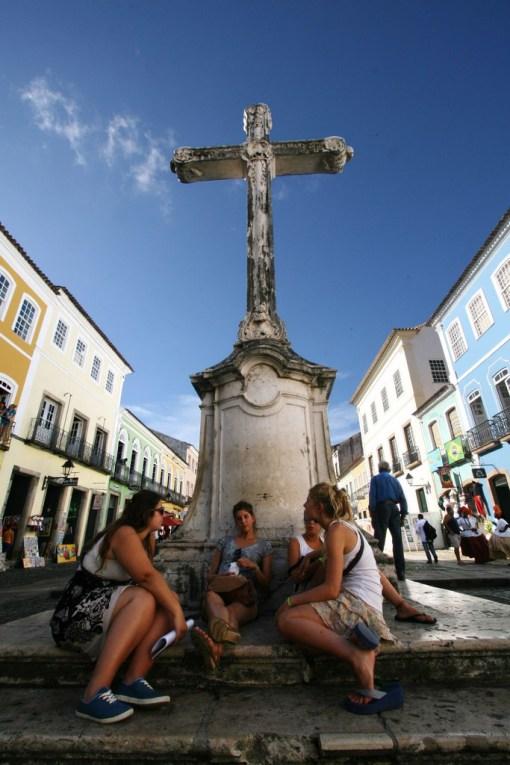 Centro Histórico de Salvador (Pelourinho) Na foto: Turistas aproveitam o Verão 2011 no Pelourinho Foto: Rafael Martins/AGECOM