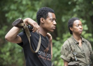 the-walking-dead-episode-510-noah-williams-sasha-martin-green-935