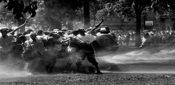 12.firehouse-against-demonstrators