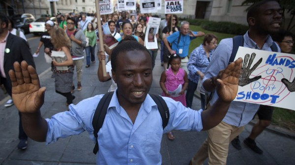 Protesta_racial-Ferguson-Misuri-Michael_Brown-disturbios_en_Ferguson_MDSIMA20140819_0010_9