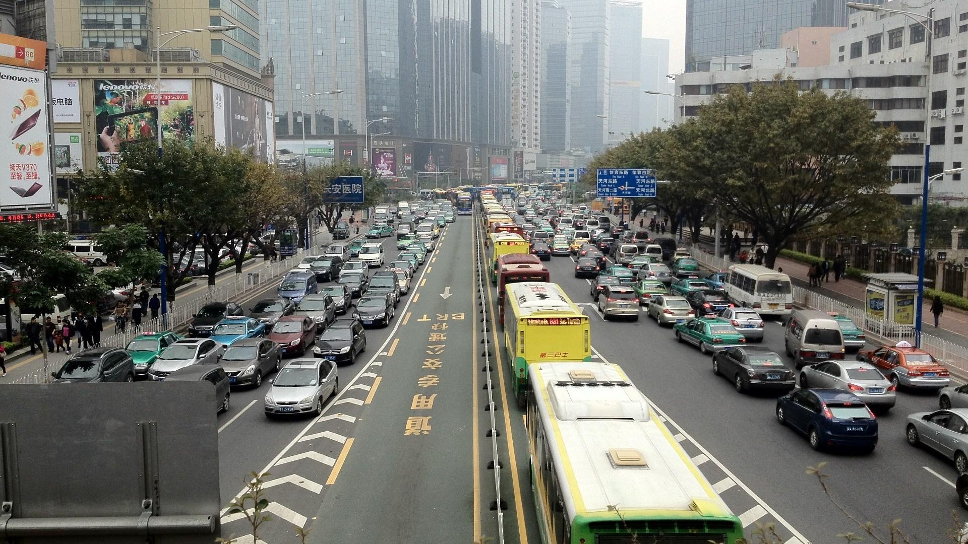 Las ciudades: motores económicos y centros de pobreza