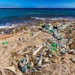 Embalagens inúteis que poluem os oceanos