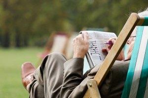 Estudo afirma que resolver palavras cruzadas todos os dias poderia proteger da demência