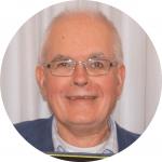 Jim es miembro del MCW, vive en Birmingham y trabaja en una cooperativa de finanzas éticas, asesorando a empresas de la economía social y entidades sin ánimo de lucro.