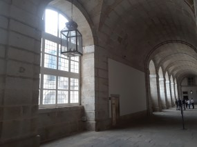 A look at the old interior halls El Escorial.