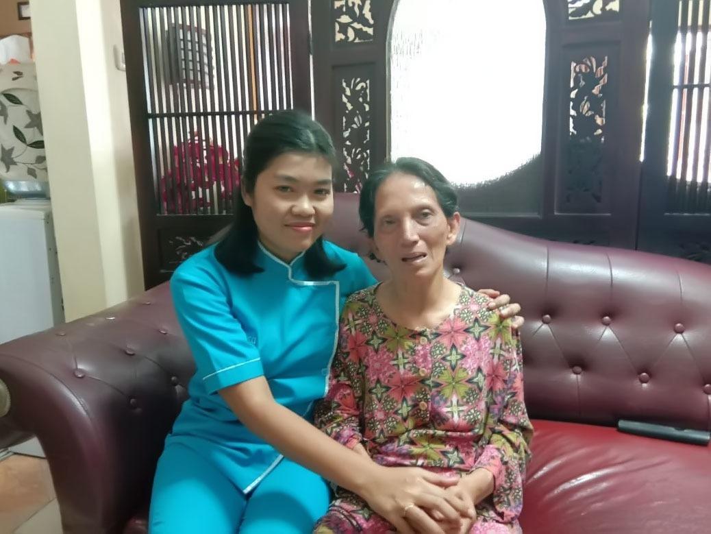 perawat lansia, perawat homecare, homecare, home care