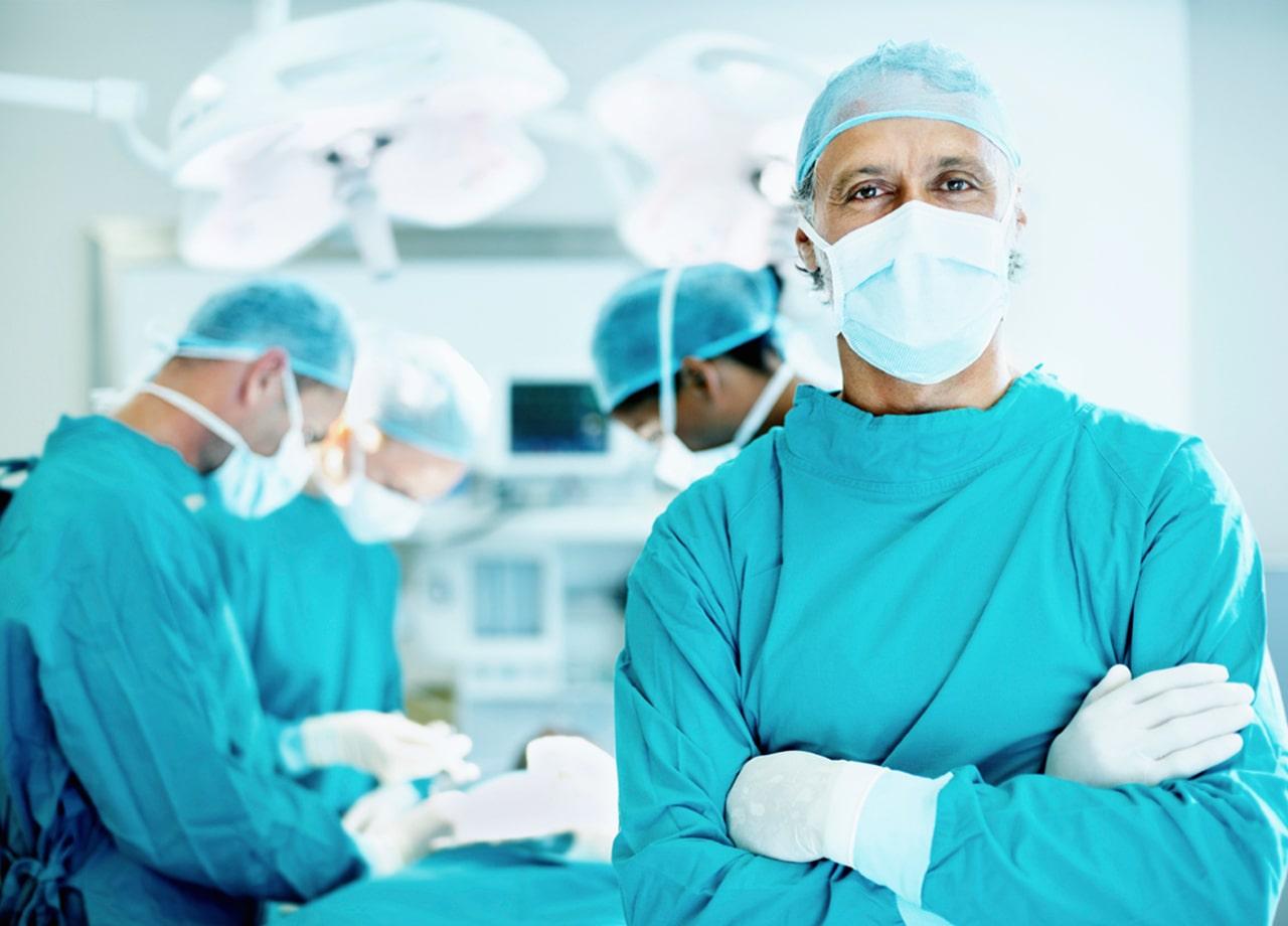 Alasan baju operasi warna hijau dan biru
