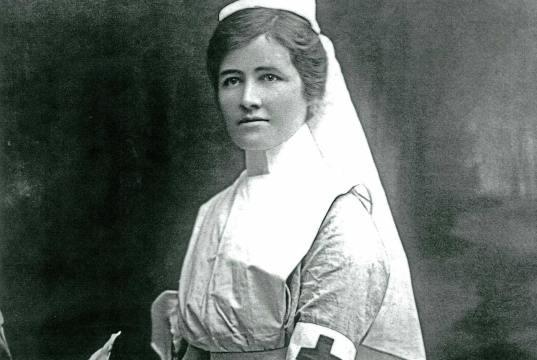 Mengenal Florence Nightingale, Perintis Ilmu Keperawatan