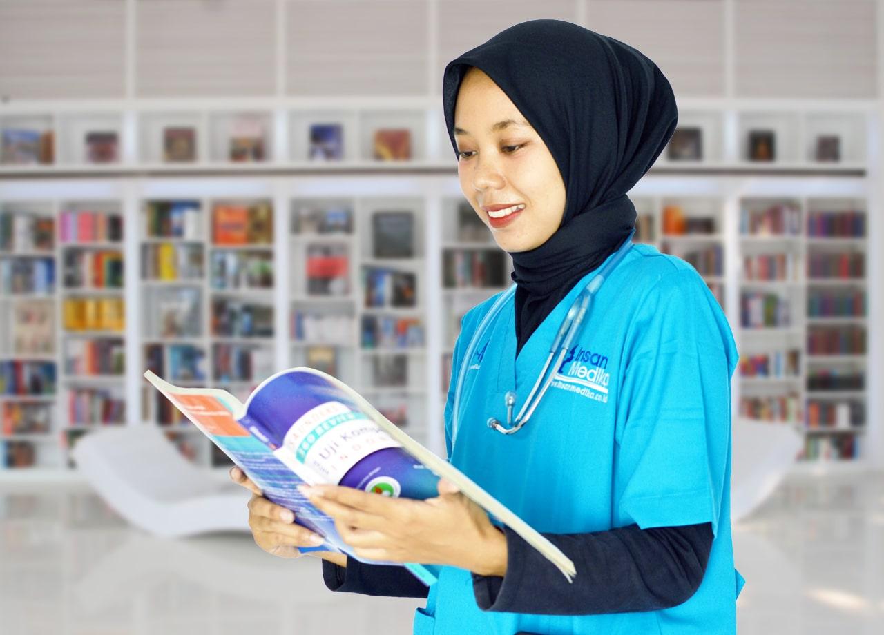 Pentingnya Membaca Kajian Ilmu Keperawatan Bagi Calon Perawat