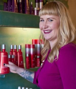 Beckie Tuttle, Hairstylist, Hair Lovin' Salon