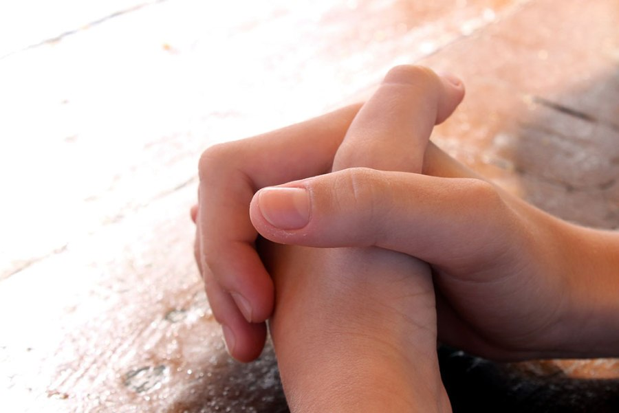 Praying-hans-1024x684