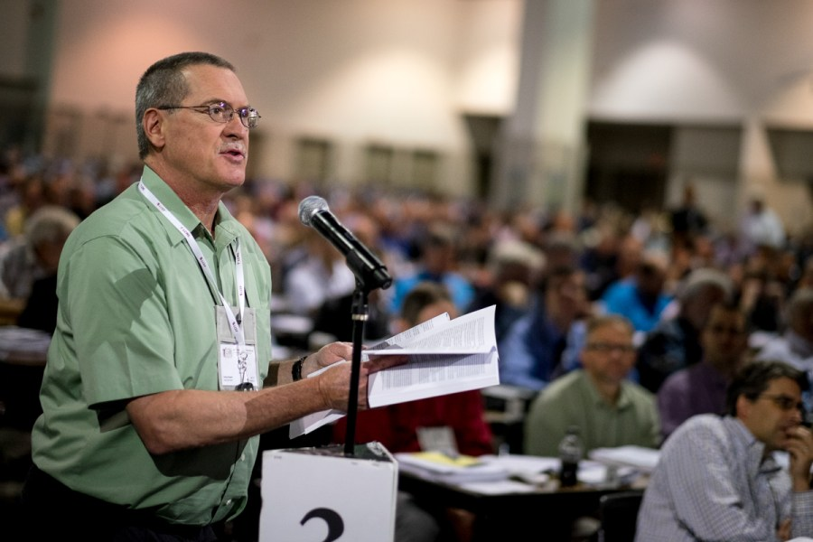 Richard Emory, a lay delegate from Davenport, Iowa, addresses Floor Committee 12 on Ecclesiastical Supervision and Dispute Resolution on Tuesday, July 12, during the LCMS convention in Milwaukee. (LCMS/Michael Schuermann)