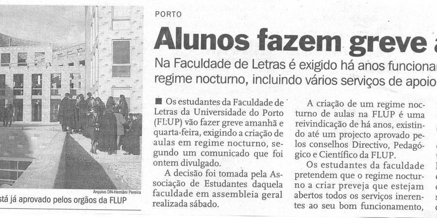 """(108) """"Alunos fazem greve às aulas"""" - 2000 02 28 DNoticias 26-200r"""